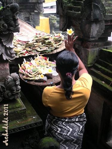 Бали, в храме