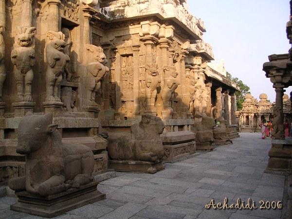Каничпурам, скульптура храма