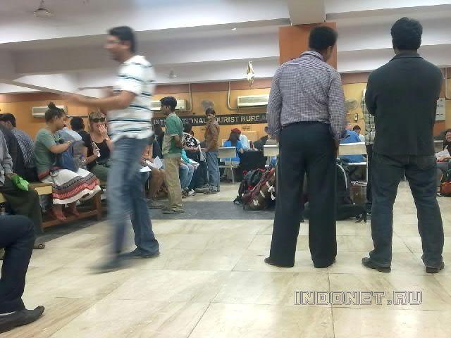 Покупка билетов на вокзале Нью Дели
