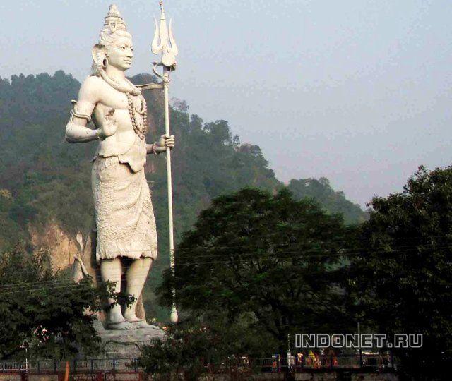 Шива, огромная статуя в Харидваре