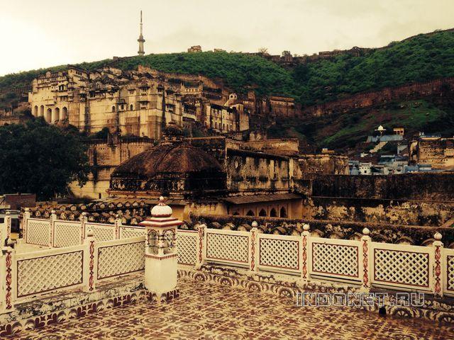 Бунди, вид на дворцы