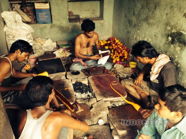 Мастерская браслетов в Индии