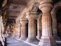 Храм Бадами