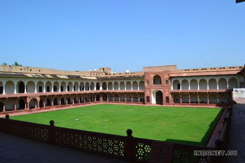 дворец Маччи Бхаван