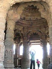 Модхера, в храме солнца