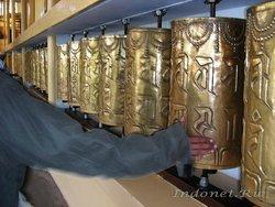 Буддийские молельные барабаны