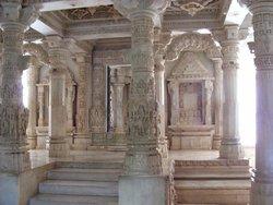 Кумбхария, храм