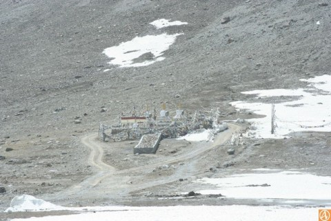 храм Гефанг на перевале Кунзум.jpg