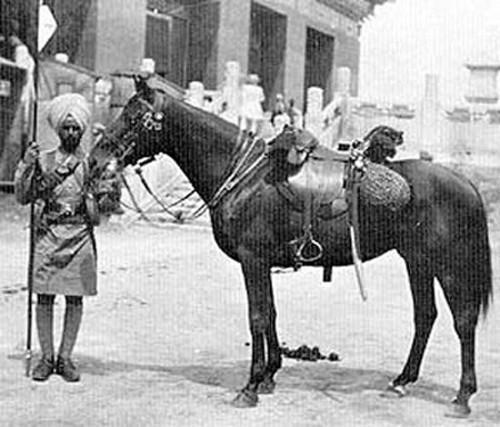 Рядовой 18го Бенгальского уланского полка в Пекине, 1900 г.
