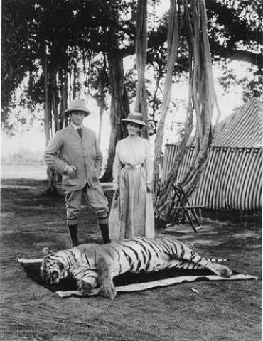 1903 г. Сахиб доволен, мэм-сахиб счастлива...