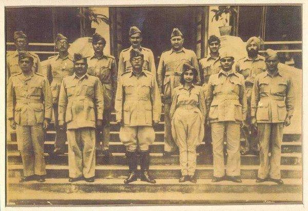 Нетаджи Субхас Чандра Бос, бойцы ИНА, капитан Лакшми