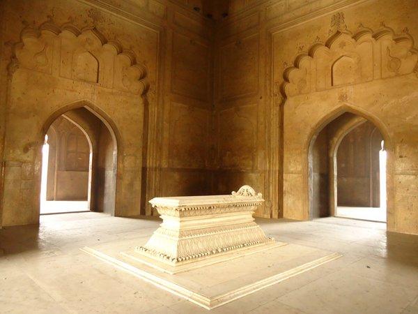 Фото гробницы Сафдарджанга