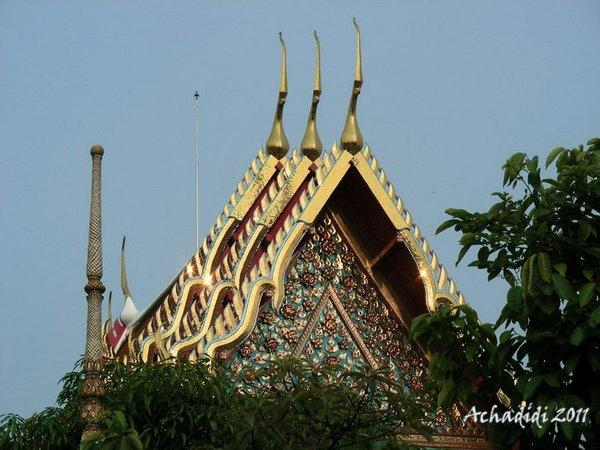Ват По, крыши буддийского храма, типичные для Таиланда