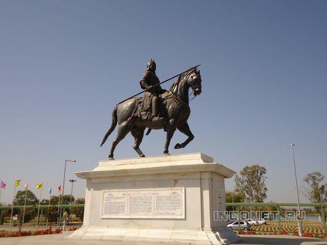 Памятник Махаране Пратапу в Удайпуре