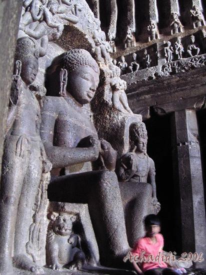 Эллора, Будда в пещерном храме