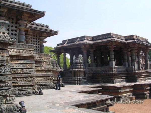 Архитектура Хойсала - храм Халебида