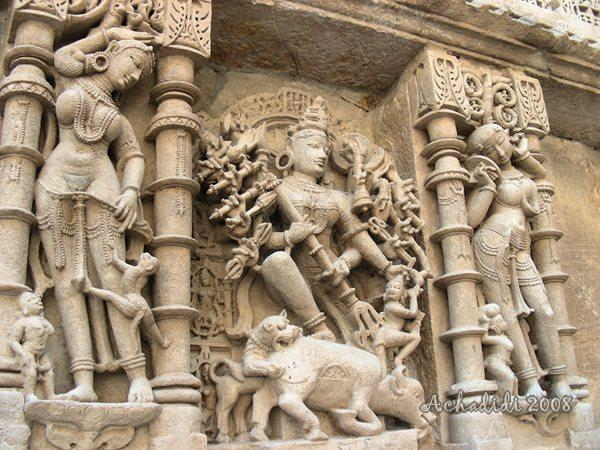 Фото скульптуры баоли Патана