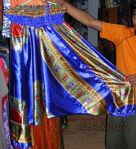 Фото алладинов из синтетической ткани типа атласа, которые можно купить в Гоа