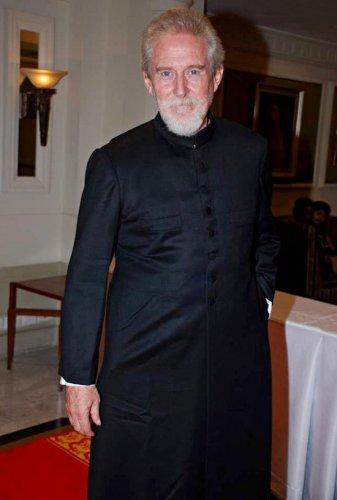 Том Элтер в индийском костюме