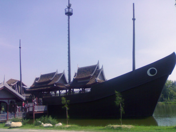 Древний корабль в Древнем Сиаме