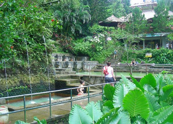 Бали, горячие источники в Банджаре