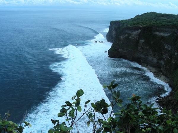 Балийское море около храма Улувату