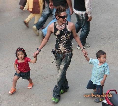 Непальский панк и дети