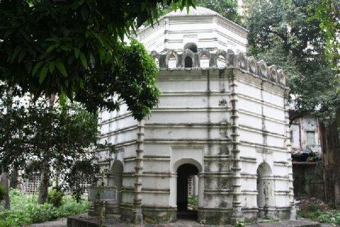 Могила Джоба Чарнока - основателя Калькутты