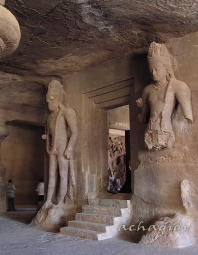 Колоссы остров Элефанта, стерегущие покой пещерных храмов