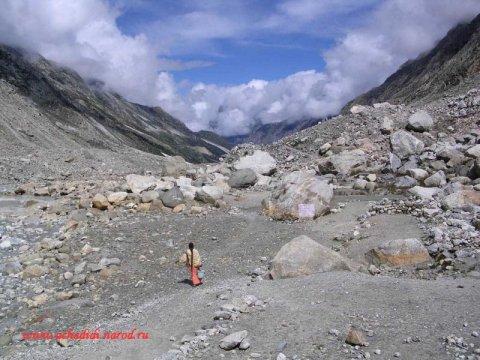 Каменное плато у Гомукха