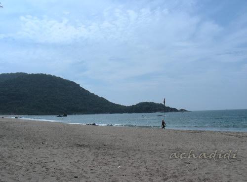 левая часть пляжа Агонды