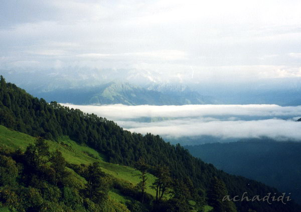 Утро на треккинге в Гималаях