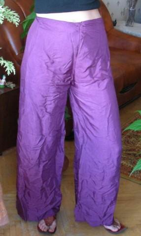 Индийские штаны, вид спереди