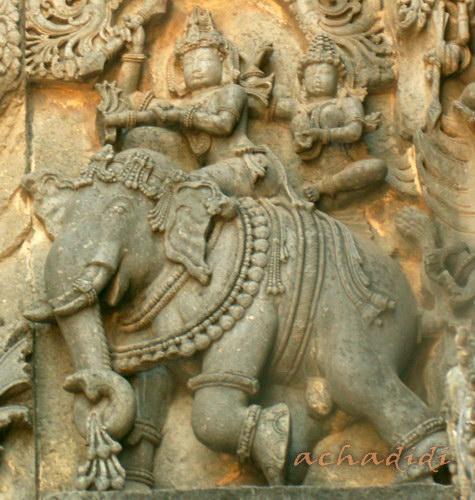 Ваханы. Индра на слоне Айравати. Рельеф из Халебида