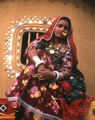 женщина рабари в традиционном костюме