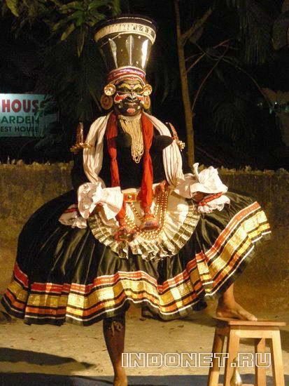 Актер керальского театра катхакали