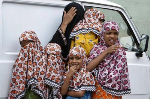 Мусульманская женщина с дочерями. Бангалор,  южная Индия, фото thehindu.com