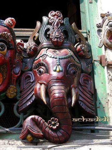 Непальская маска голова слона