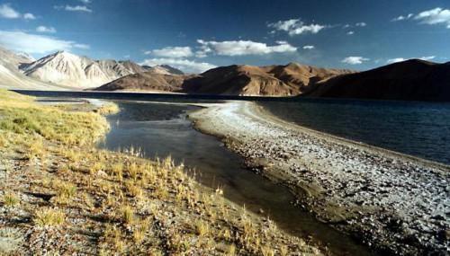 Озеро Пангонг Тзо, фото thehindu.com