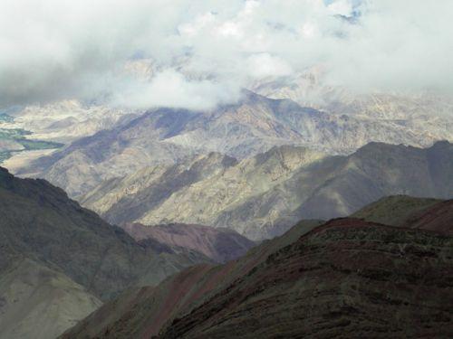 Вид с перевала на окрестные горы