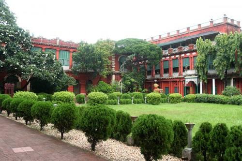 Рабиндра Бхарати - собственный дом Р.Тагора в Колкате. Ныне музей