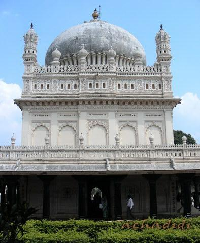 Гумбаз - мусульманская усыпальница в Шрирангапатнаме