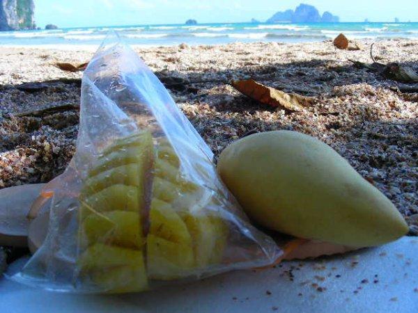 ao nang, ananas i mango
