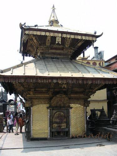 Индуистский храм в Сваямбунатхе