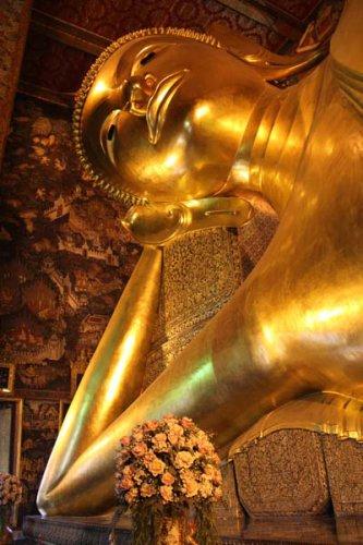 Большой лежащий Будда в Вате Пхо