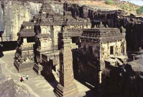 Храм Кайласанатха, пещера 16, Эллора, Махараштра, конец 8-го века.
