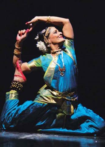 Танцовщица, фото к статье Воспевая космический танец Шивы