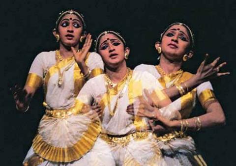 Исполнительницы индийских танцев