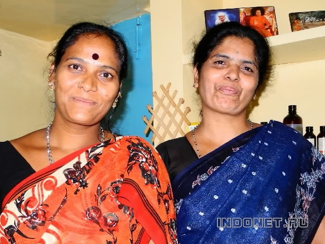 Puttaparthi-arun-massage-women.jpg