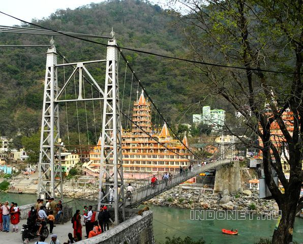 Rishikesh_204_India-2013.JPG